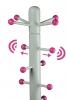 Spitze von Massivholz Kindergarderobenständer weiß, mit verschiebbaren Aufhängern und pink lackierten Kugeln